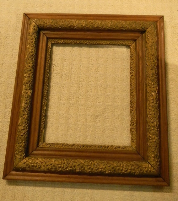 Cleaning dirty photo frame
