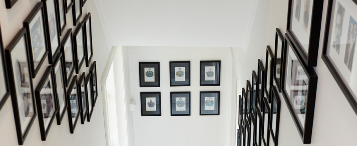 Creative Picture Frame Hanging