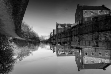 Leeds Liverpool canal by Matthew Hanwell