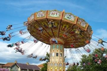 Spinning Around by Melika Gorgianeh