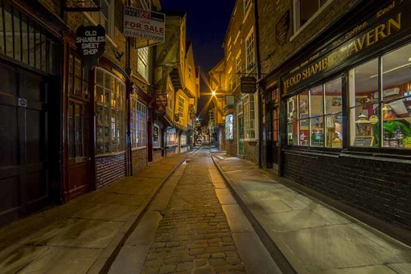 The Shambles York sml 2 © Bob Riach