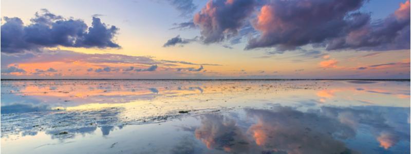 Reflectve-Sea-Scape